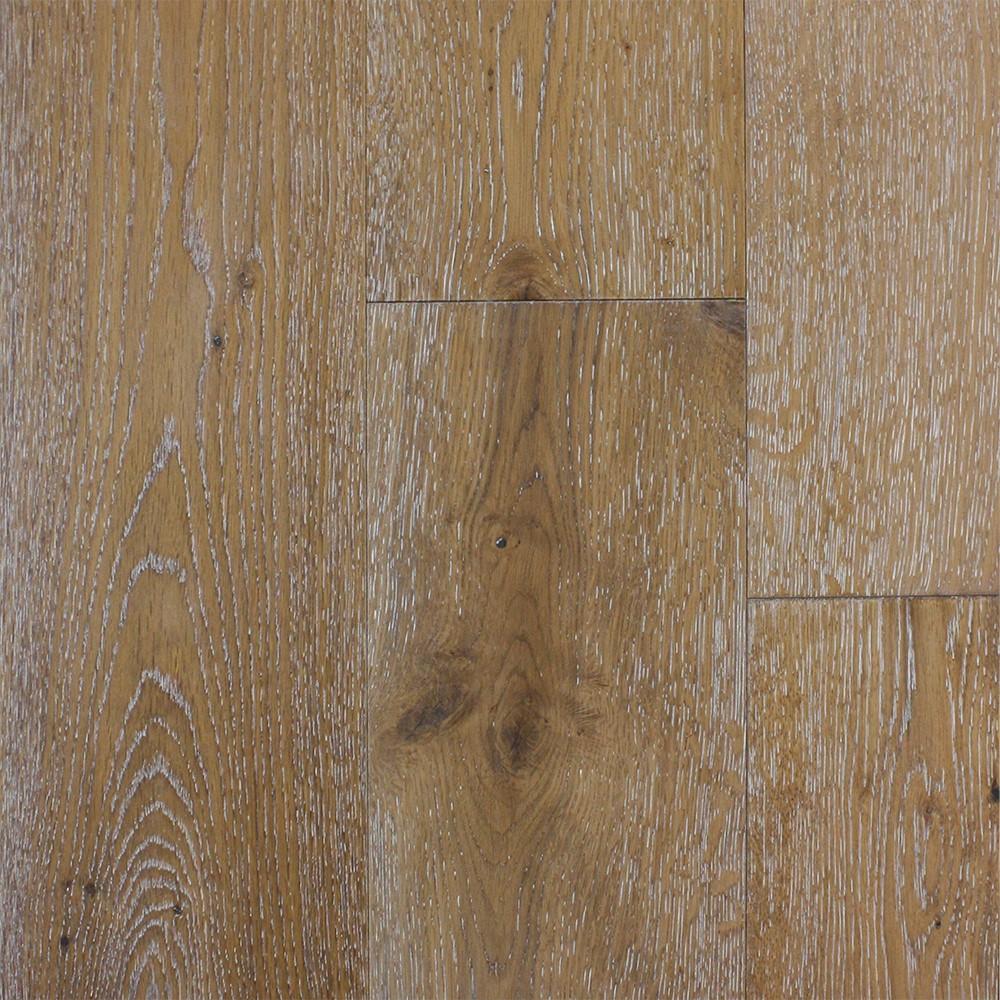 Escalera Natural Wood Amp Wire Brushed Engineered Hardwood